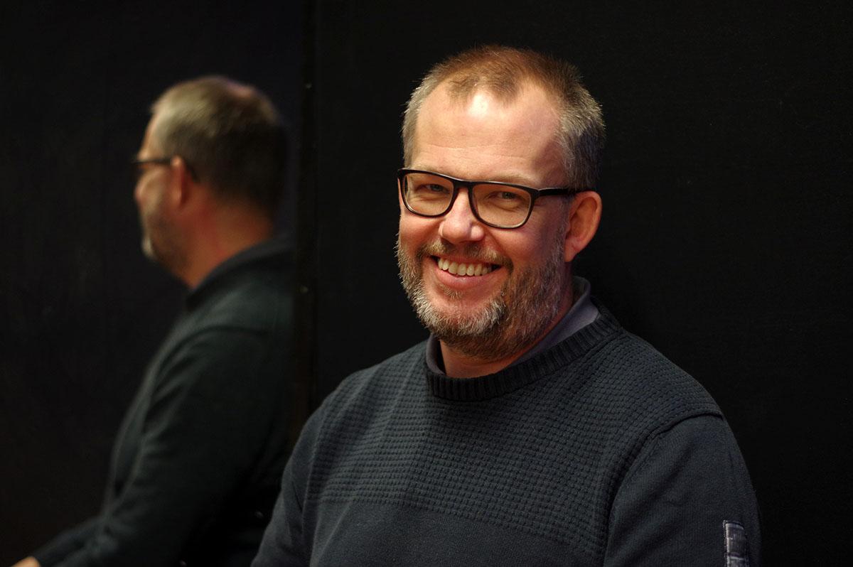 Johan Mansfeldt, Regissör och kreativ ledare Scenkonstnärerna