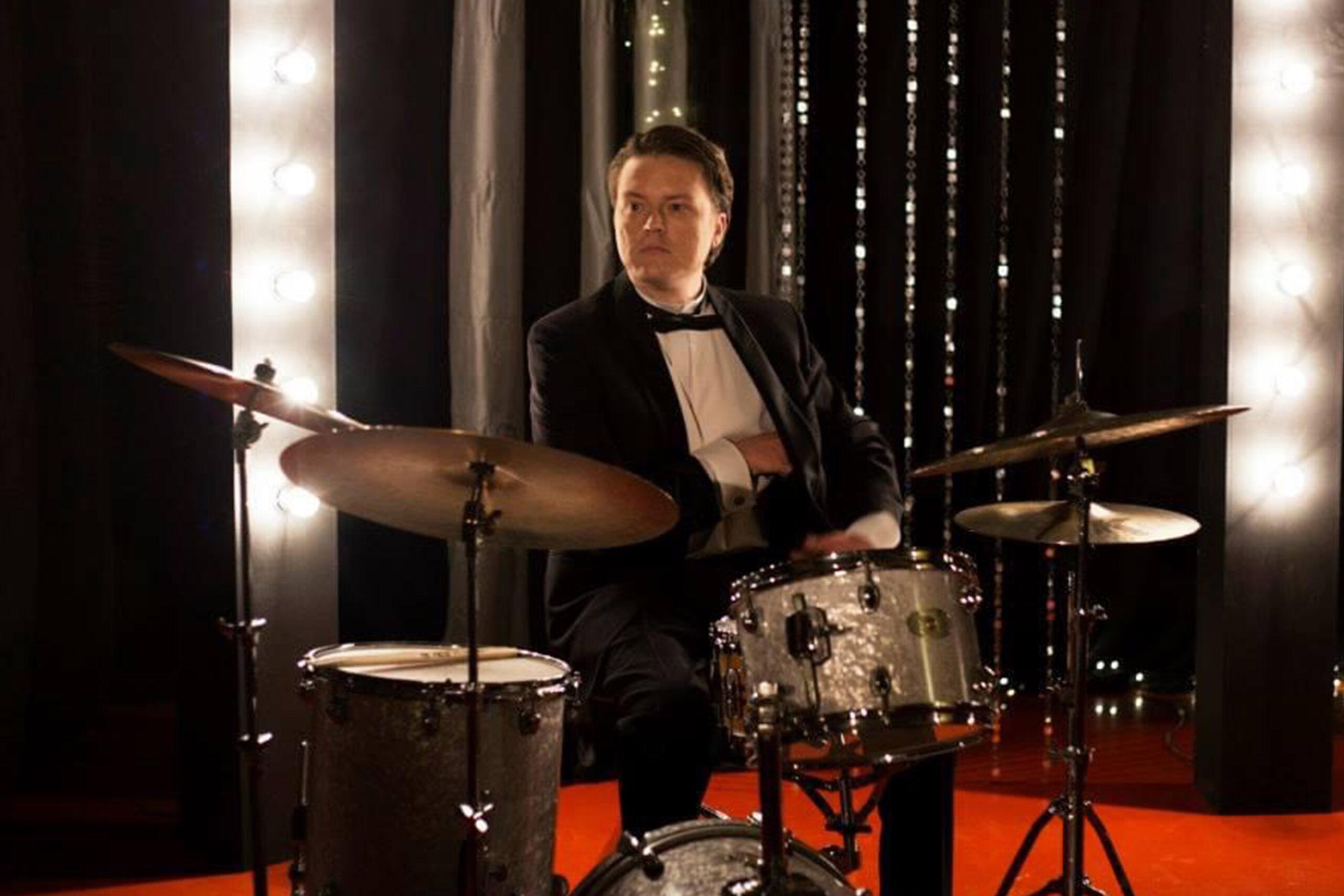 Daniel Olsson, trummor